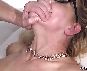 Milf in bondage ass fucking fucked and cummed